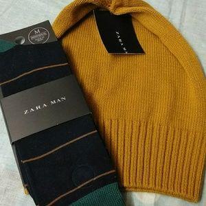 Zara  beanie & pair of  socks