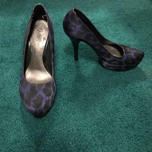 Carlos Santana Blue Leopard Print Heels