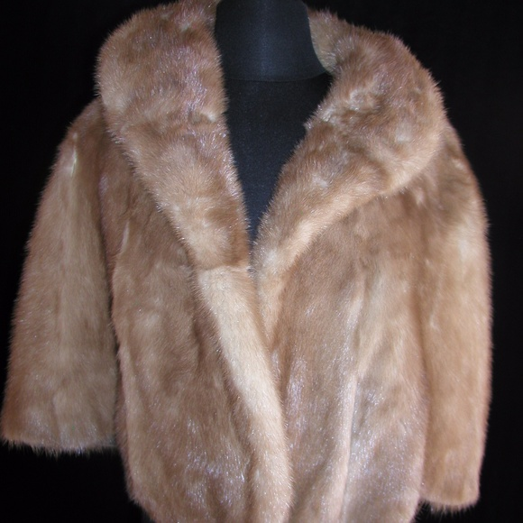 482b47ba07b4 Vintage Mink Cape - excellent condition- very warm