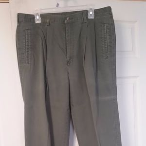 Other - Men's Green Dress Pants (38x32)