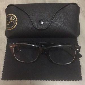 Black Ray Ban glasses