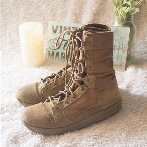 Like New Danner Tachyon Coyote Boot Size 6.5