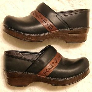 DANSKO Penny Leather Mules Clogs Sz 7 or 37 Black