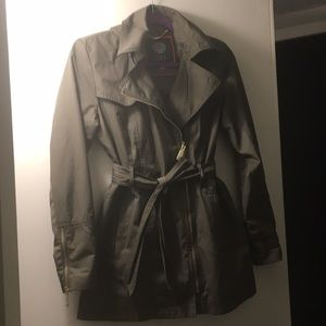 Vince Camuto rain/ trench coat detachable hood