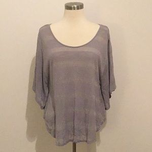 Grey stripe batwing t