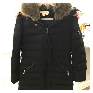 Michael Kors woman winter coat. 10 days of use.