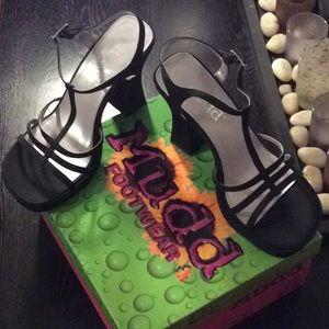 Mudd Black silky women's shoes size 8 1/2 M