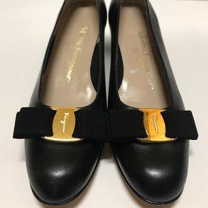 Women's Salvatore Ferragamo classic bow heels