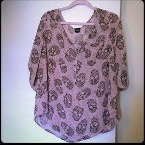 Pink torrid top size 2 skull and leopard