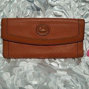 Dooney & Bourke Brown Leather Trifold Wallet WA