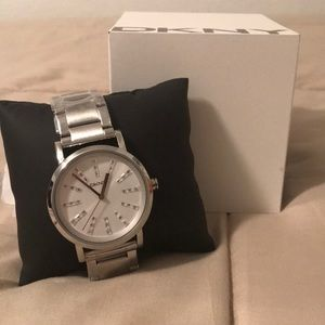 DKNY SILVER WOMENS WATCH