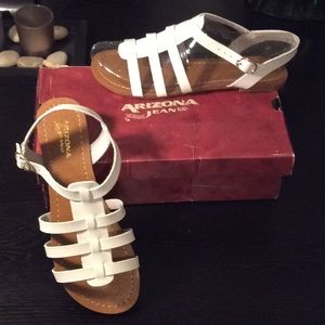 Arizona white sandals size 7 1/2