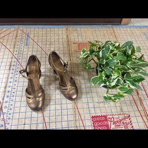 Aerosoles retro T-strap heels size 5