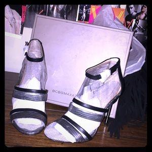 BCBG Metallic Black Heels!! 🔥😍