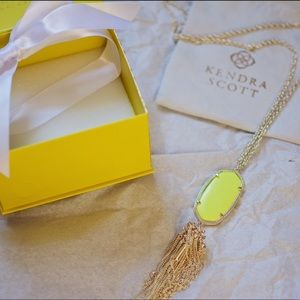 NWT Kendra Scott Rayne Necklace w Neon Yellow