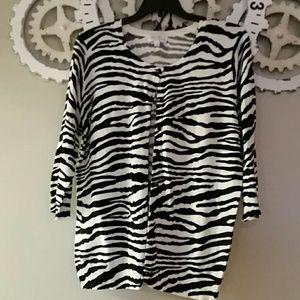 Zebra quarter length sleeved sweater