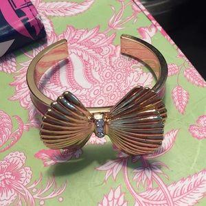 NWOT Lilly Pulitzer pink enamel gold bow bracelet