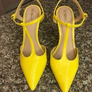 Yellow heels zara