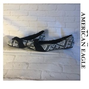 American Eagle flats 7 black white aztec pattern