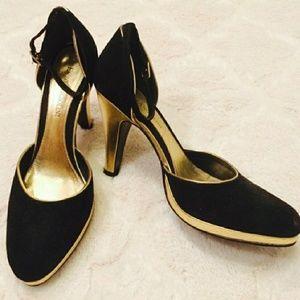 Enzo Angiolini black gold closed toe heels 6