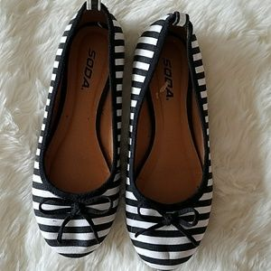 Black and white striped Soda shoes size 6.5