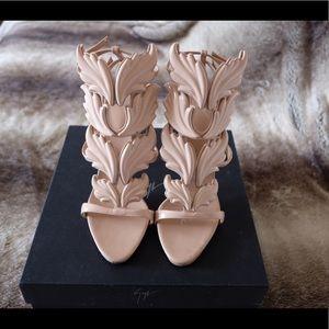 Giuseppe Cruel Blush Patent Nude Heels 39.5/8.5