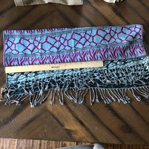 Forever21 scarf - excellent condition