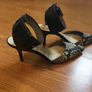 651aad2b8ffc Sam Edelman Shoes - San Edelman Okala Black   Gray Python Pump