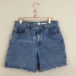 90's Medium Wash Distressed Mom Jean Shorts
