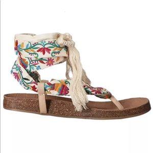 32685ec2eb91 Sam Edelman Shoes - Sam Edelman Native Design Lace Up Kelby Sandals