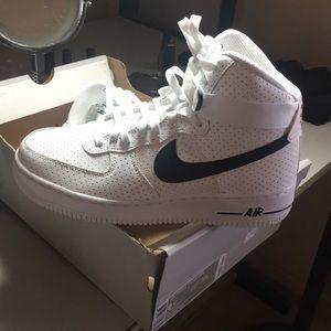 Nike Air Force 1 High - Never Worn
