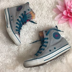 🌸OFFERS?🌸Converse with Tulle!