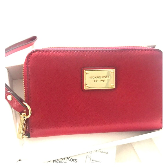 ef341fcc7ac30d Michael Kors Bags | New Essential Zip Wallet For Iphone | Poshmark