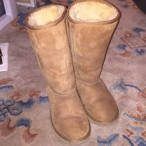Tall chestnut uggs size 6.5/7