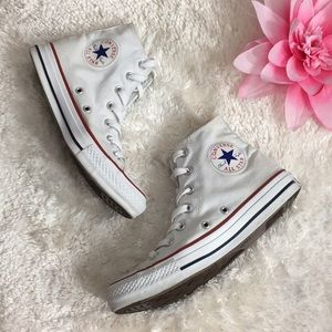 🌸OFFERS?🌸Converse High Top Classic White