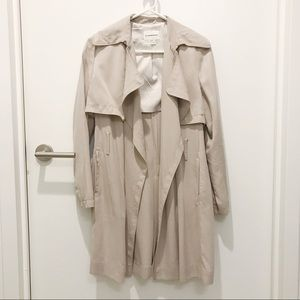 Club Monaco Lindy Soft Trench in Khaki Stone