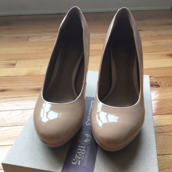 (Like New) Clarks brier dolly - nude
