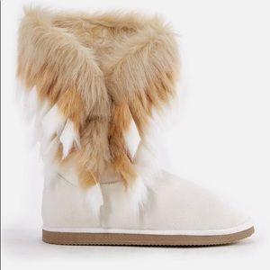 "JustFab cream""Winter is Coming"" fuzzy booties, 8"