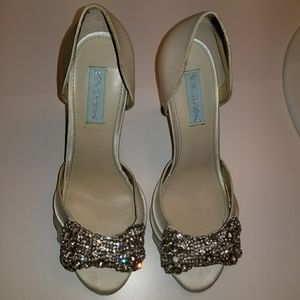 NWT! BETSEY JOHNSON dress shoes