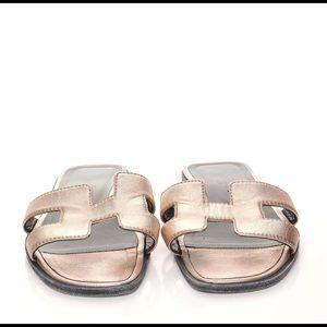 Hermes metallic calfskin Oran sandles