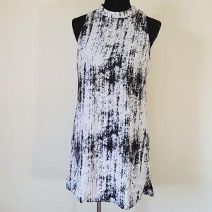 Flirty Catch Me Keyhole Back Dress Size L