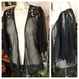 VTG Open Sheer Black & Lace Bed Jacket or Cover-up