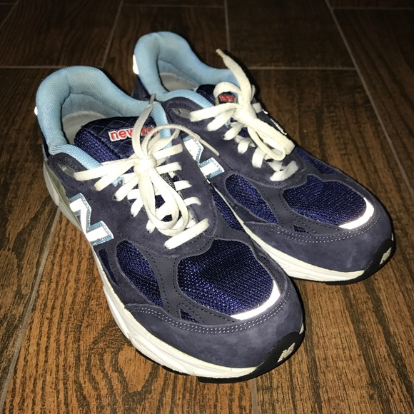 outlet store 27a96 b48eb Women's New Balance 990 Classic Running Shoes Sz 9