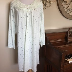 08256a8994 Earth Angels Intimates   Sleepwear - Earth Angels Size Large Nightgown In  Lt. Green