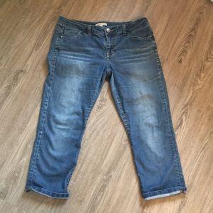 Cabi Crop Jeans Medium Wash 10