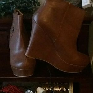 Brown wedged ankle boots so adorable