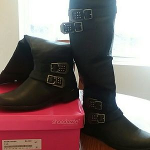Knee high buckle boots!