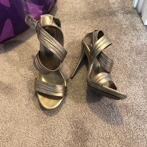 Metallic strap pot sandals