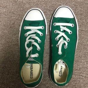 Converse shoes size 6