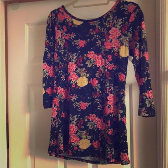 24f6fa4b3650a Loveappella Tops - Crossback floral Loveappella shirt